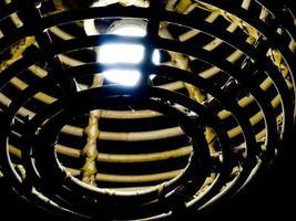 decoração de lâmpada feita de bambu de vime foto