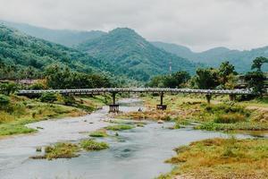 aldeia kiriwong - uma das melhores aldeias ao ar livre na Tailândia foto