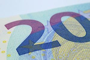 detalhe do número 20 numa nota de 20 euros. foto
