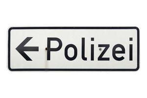 sinal alemão isolado sobre o branco. polícia polizei foto