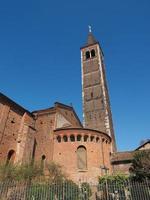 igreja sant eustorgio em milão foto