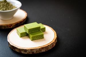 fresco e macio matcha chá verde chocolate foto