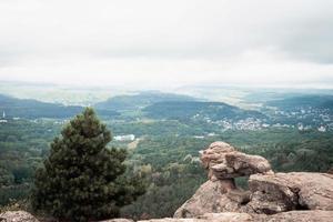paisagem rochosa do pico da montanha foto