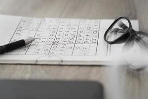 o arranjo da página do jogo sudoku foto