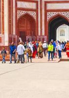 uttar pradesh, índia, 10 de maio de 2018 - ótimo portão em agra uttar pradesh índia foto