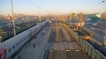 vista panorâmica da plataforma da ferrovia transiberiana na Rússia foto