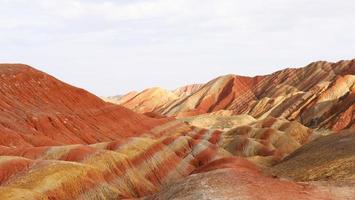 Zhangyei Danxia Landform em Gansu China. foto