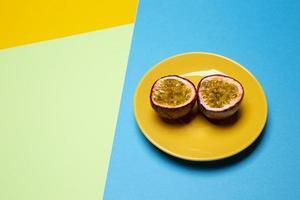 composição de delicioso maracujá exótico foto