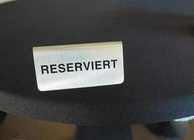 sinal de mesa reservada reserviert foto