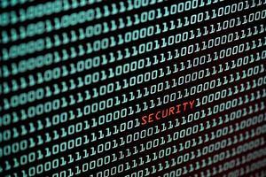 conceito de texto de segurança e código binário na tela da área de trabalho foto