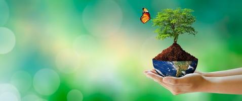 Dia da Terra mundial, salvando o meio ambiente e o conceito de ecologia mundial. foto