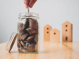 conceito financeiro de investimento imobiliário e hipoteca de casa foto