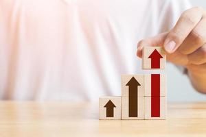escada carreira para o conceito de processo de sucesso de crescimento empresarial foto
