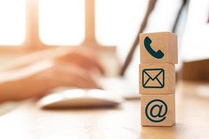 conceito de e-mail marketing foto