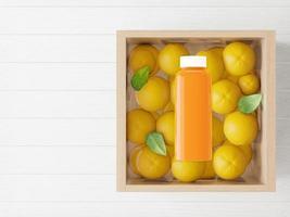 uma garrafa usada para embalar suco de laranja com laranjas. foto