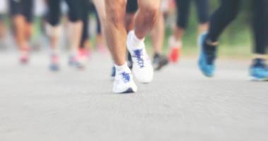 borrão de movimento da maratona foto