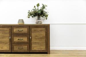 desperdício em móveis de madeira foto