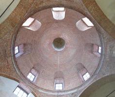 teto de abóbada de tijolo circular foto
