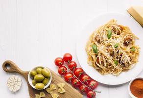 composição de comida italiana com copyspace foto
