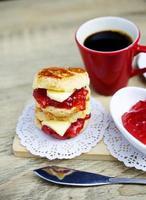 scones inglês tradicional para fundos de bebida de café foto