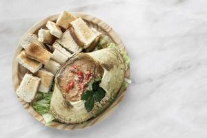 caranguejo português maionese mousse de marisco tapas em restaurante lisboa foto