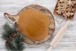 Natal, fundo de cozinha de ano novo. ingredientes e utensílios de cozimento. foto