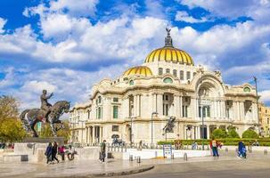 o palácio de belas artes da cidade do méxico foto