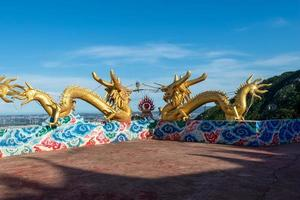 toda e parte da arquitetura religiosa tradicional chinesa foto