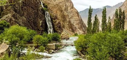 rio do parque nacional deosai foto