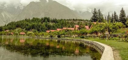 lago shangrila e resorts foto
