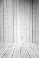 pranchas de madeira branca com piso foto