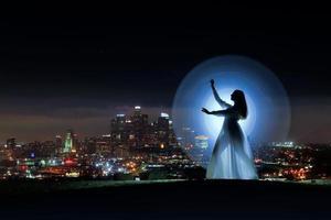 imagem colorida de longa exposição de uma mulher foto