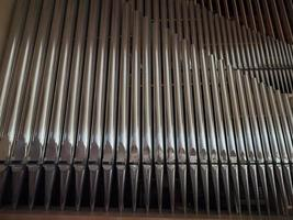 instrumento de teclado de órgão de tubos de igreja foto
