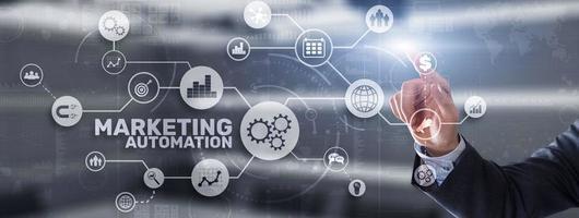 automação de marketing. programas de computador e soluções técnicas para automatizar os processos de marketing da empresa foto