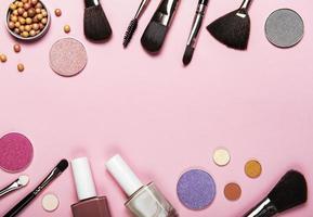 conjunto de cosméticos decorativos foto