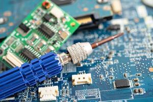tecnologia eletrônica do computador da placa principal do micro circuito, hardware, telefone celular, atualização, conceito de limpeza. foto