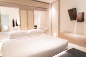 Resumo desfocar o interior do quarto do resort de luxo para o fundo foto