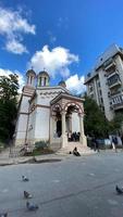 bucareste, romênia 2021 - antiga igreja cristã ortodoxa romena clássica foto