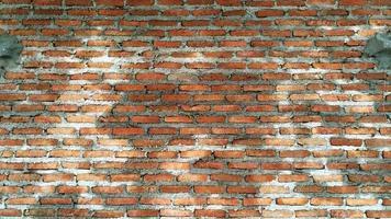 textura de parede de tijolo molhada foto