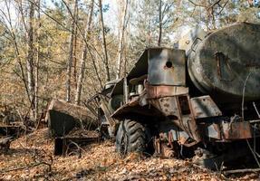 pripyat, ucrânia, 2021 - equipamento velho usado em chernobyl foto