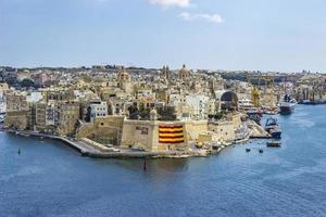 valletta, malta, 9 de setembro de 2017 - vista no porto de valletta em malta. o porto de valletta é o maior porto natural da europa foto