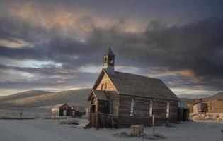 igreja metodista bodie ao nascer do sol foto