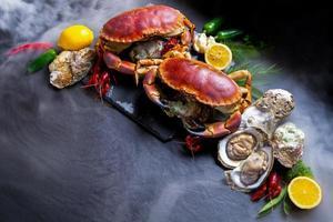 comida de tempero de frutos do mar com caranguejos de pedra. foto