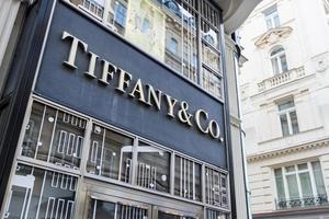 Viena, Áustria, 09 de dezembro de 2014 - detalhes da tiffany co. fazer compras foto