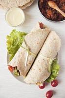 Burrito de feijão vegan caseiro foto