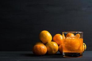 coquetel de laranja com laranjas foto