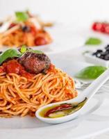 massa italiana com tomate