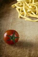 tomate e macarrão foto