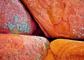 local de encontro de rochas vermelhas foto