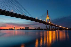 luz noturna de bangkok foto